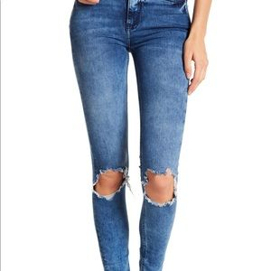 NWT Free People High Rise Busted Skinny 28